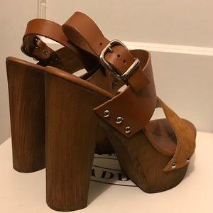 Steve Madden Wooden Platform Heel-Brown